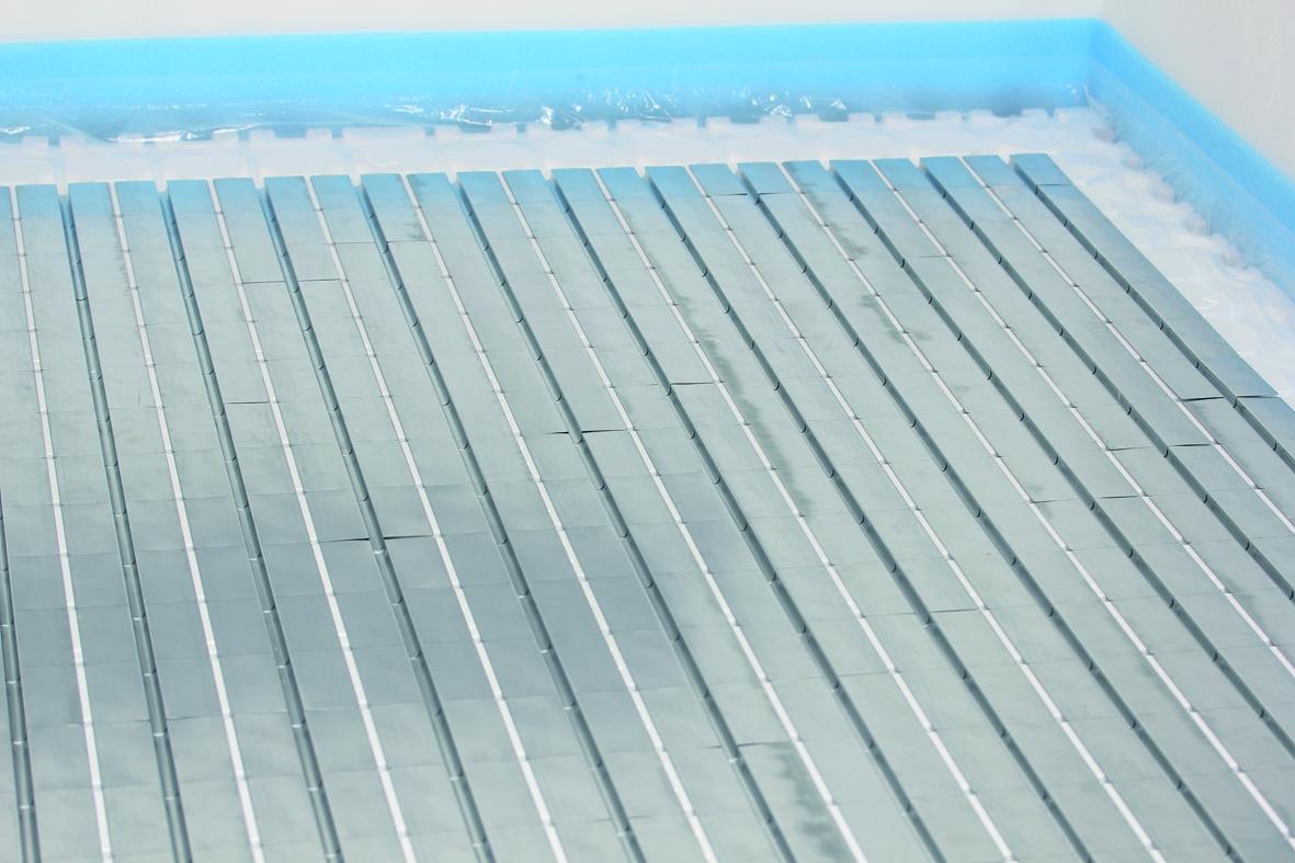 fussbodenheizung im trockenbau mit trockenestrich-system